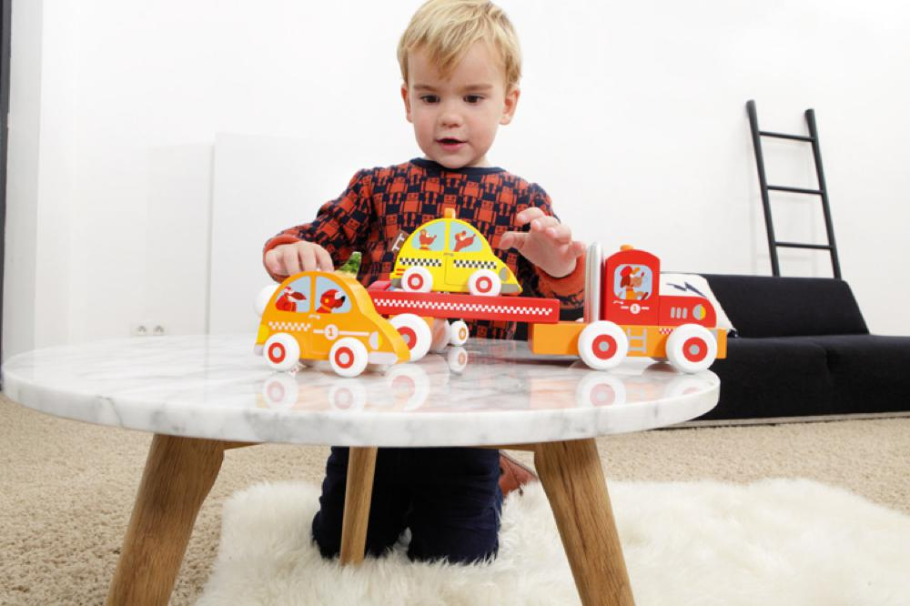 Scratch - Camion et voiture de course